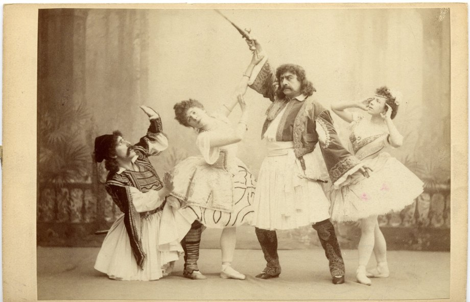 Iosif Kschessinsky as Birbanto, Pierina Legnani as Medora, Pavel Gerdt as Conrad and Olga Preobrazhenskaya as Gulnare (1899)
