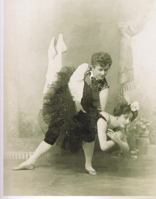 Anna Pavlova as Ondine and Georgy Kyaksht as Matteo (1903)