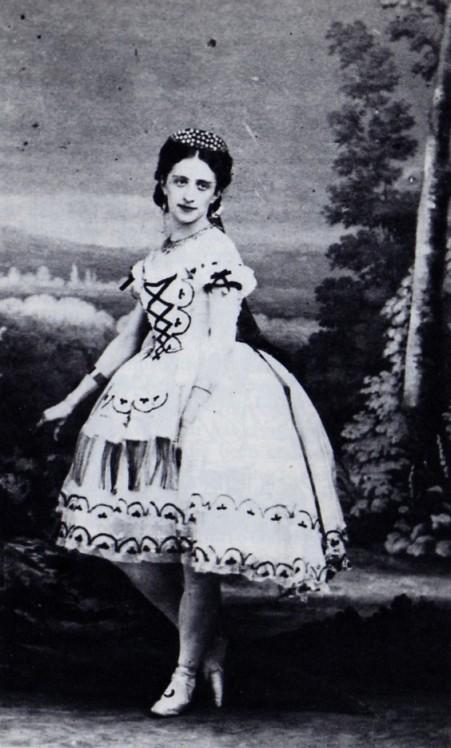 Marfa Muravieva as Nemea (1864)