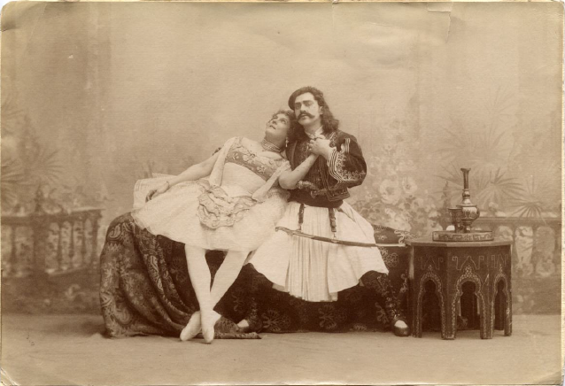 Marie Petipa as Medora and Sergei Legat as Conrad (1900)