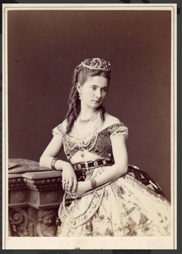 Ekaterina Vazem as Nikiya (1877)