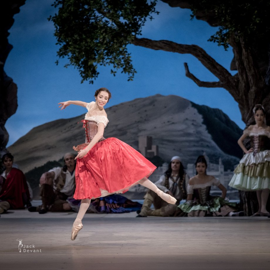 Pas de sept bohémiens, with Daria Sukhorukova as Paquita (2014), photo by Jack Devant©