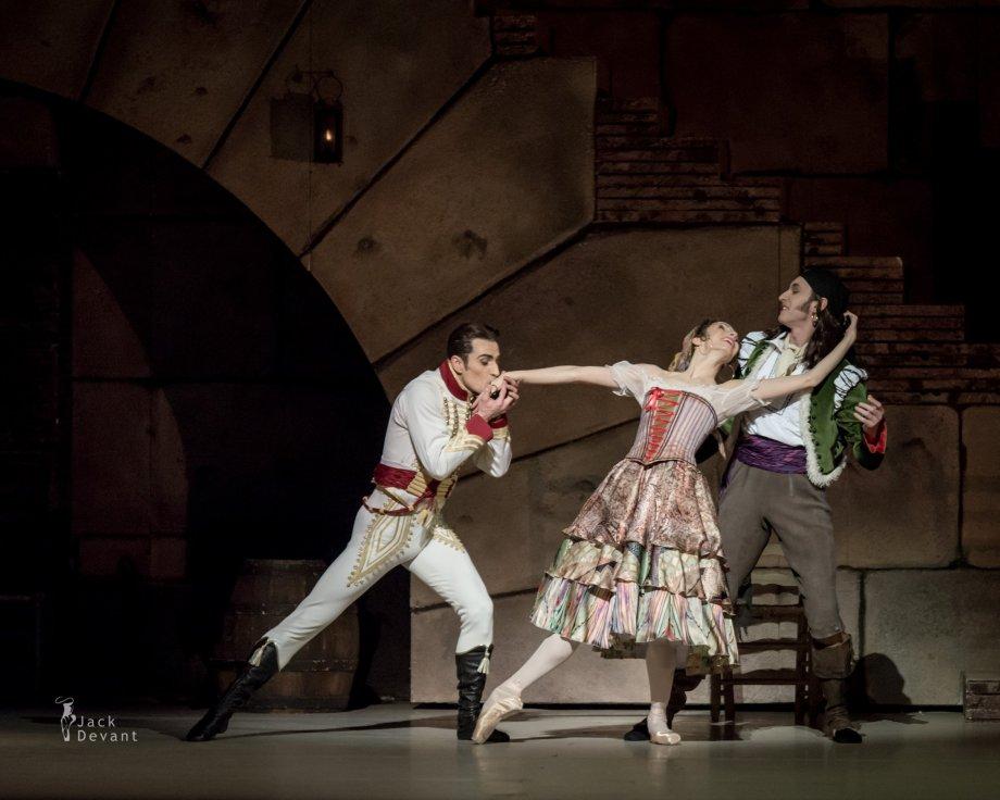Tigran Mikayelyan as Lucien, Daria Sukhorukova as Paquita and Cyril Pierre as Iñigo (2014), photo by Jack Devant©