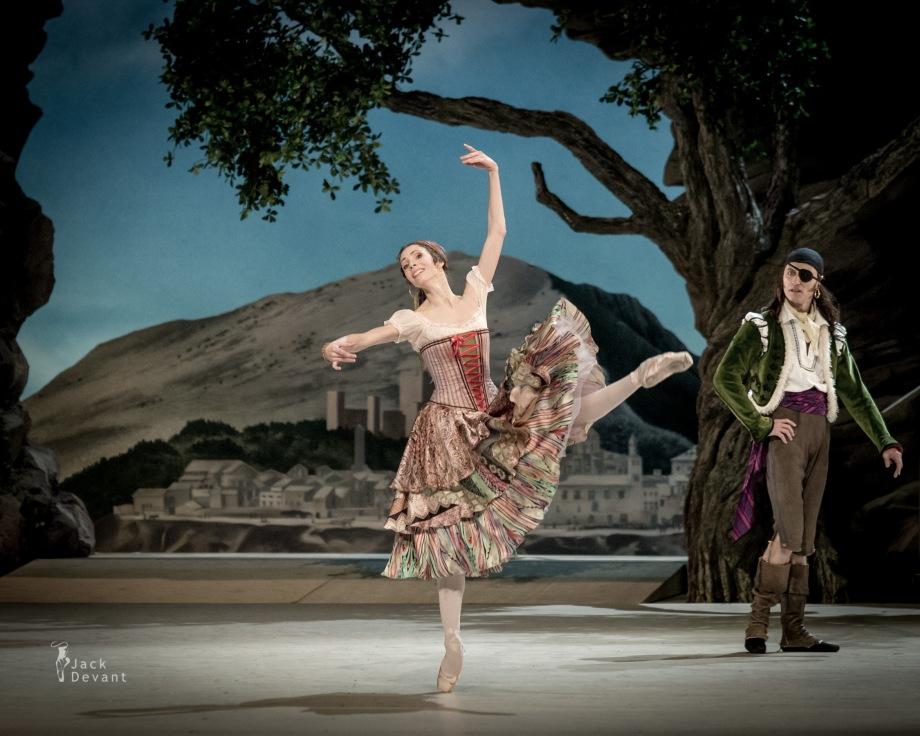 Daria Sukhorukova as Paquita and Cyril Pierre as Iñigo (2014), photo by Jack Devant©