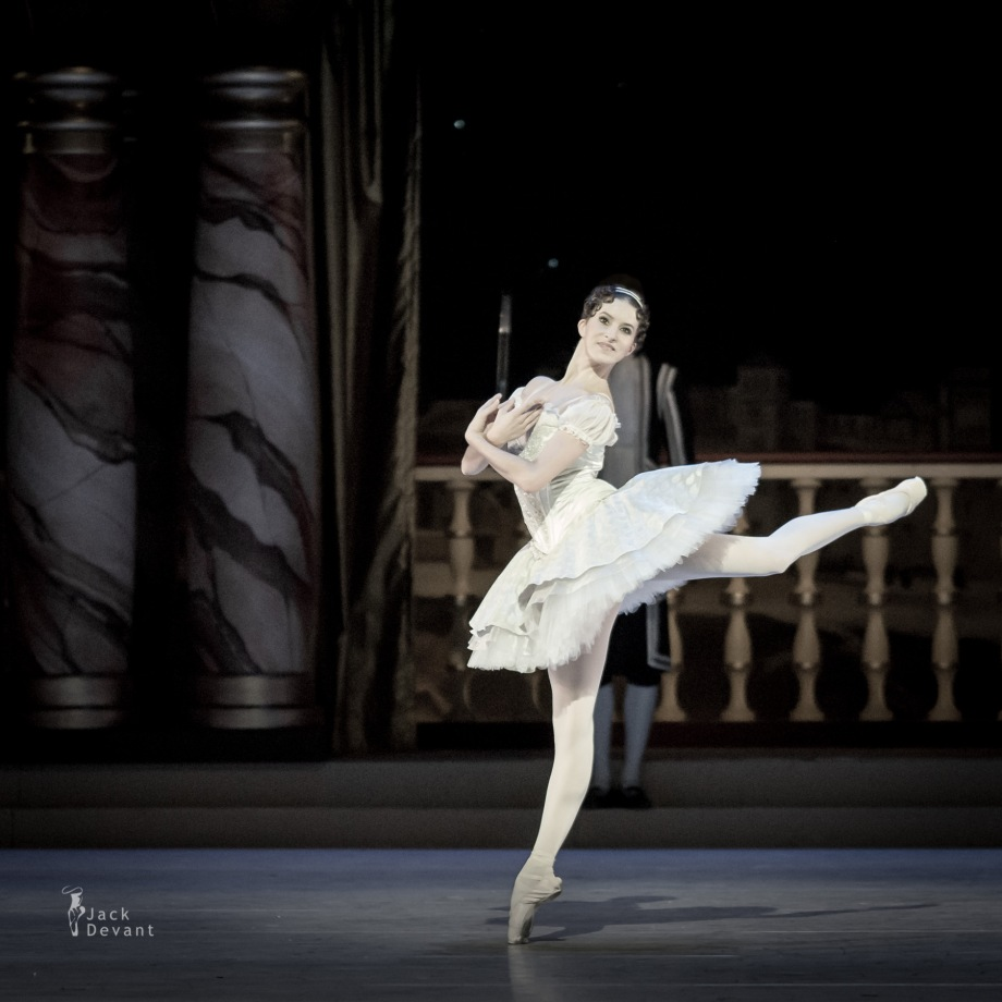 Grand Pas Classique, with Zuzana Zahradnikova (2014), photo by Jack Devant©