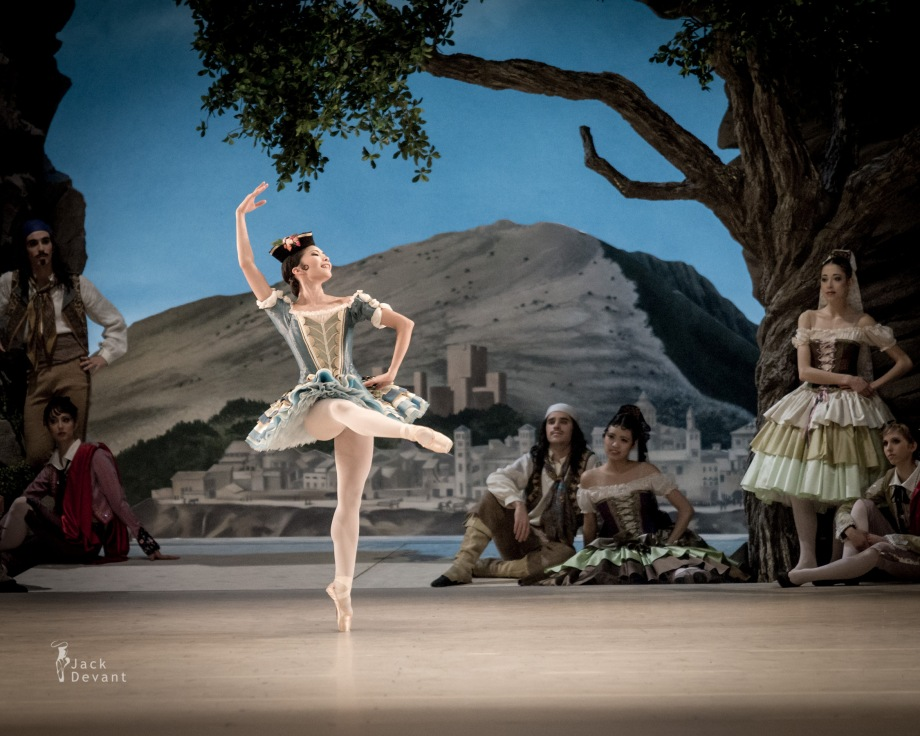 Mai Kono in the Pas de trois (2014), photo by Jack Devant©