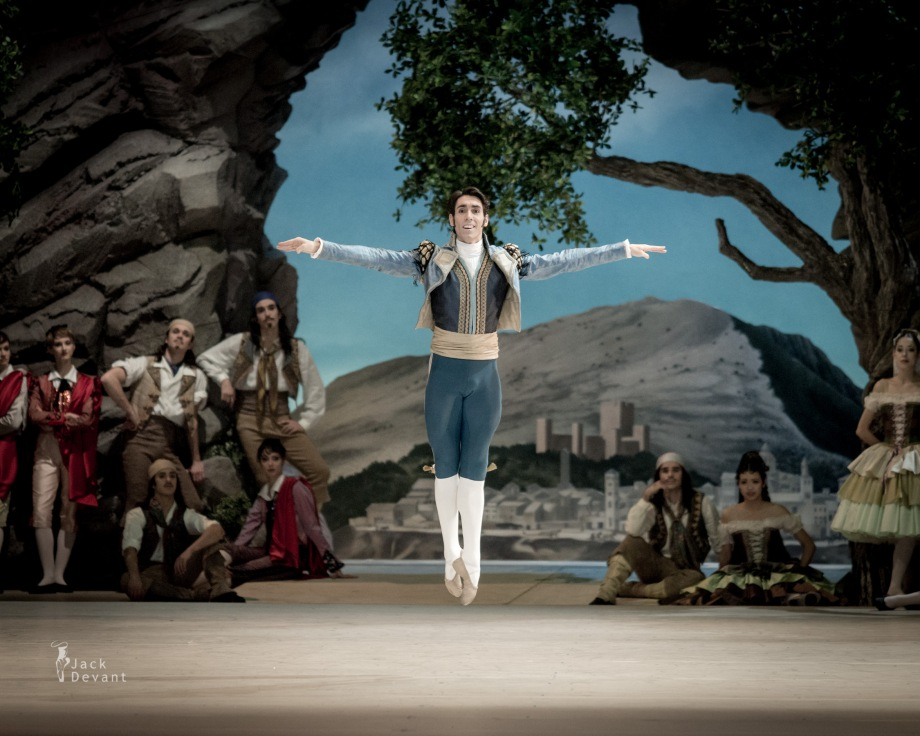 Javier Amo in the Pas de trois (2014), photo by Jack Devant©