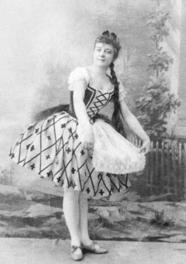 Maria Anderson as Emma (1892)
