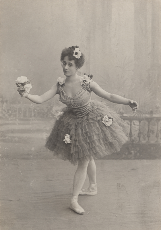Anna Pavlova as Ondine (1903)