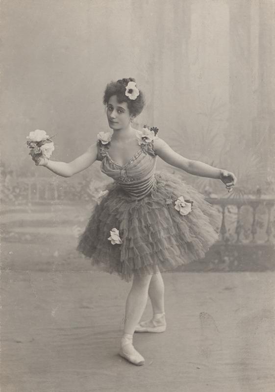 Anna Pavlova as Ondine (1903)