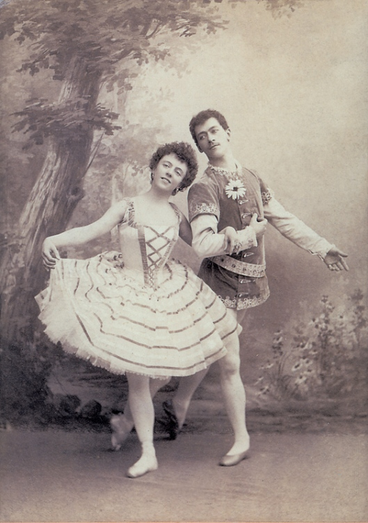 Olga Preobrazhenskaya as Giselle and Nikolai Legat as Albrecht (1899)