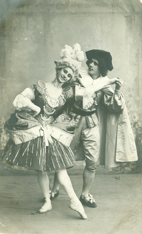 Anna Pavlova as Columbine and Mikhail Fokine as Harlequin (1900s)
