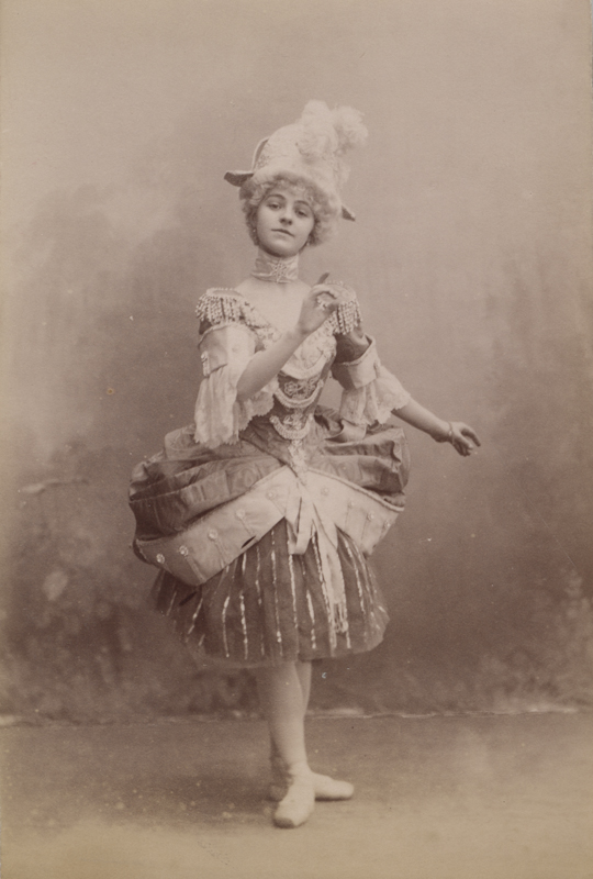 Elsa Vill as Columbine (1900s)