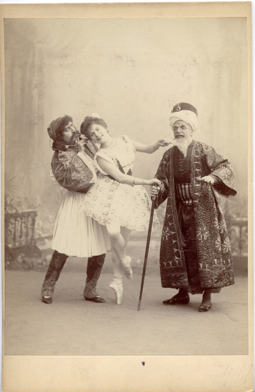 Pavel Gerdt as Conrad, Pierina Leganni as Medora and Alfred Bekefi as the Seyd Pasha (1899)