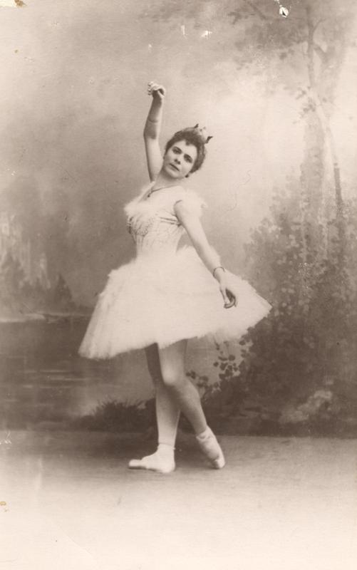 Pierina Legnani as Odette (1895)