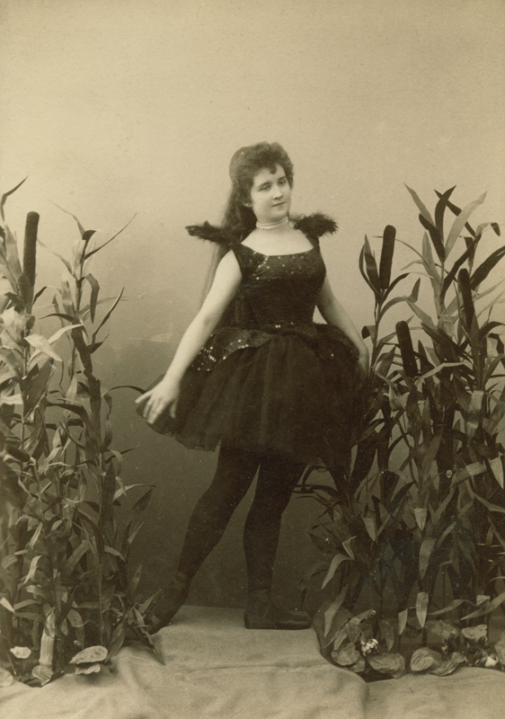 Vera Trefilova as a Black Swan (1895)