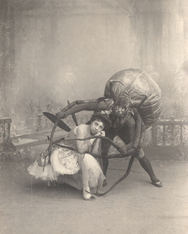 Ekaterina Ofitserova as the Fly and Vasily Stukolkin as the Spider (1900s)