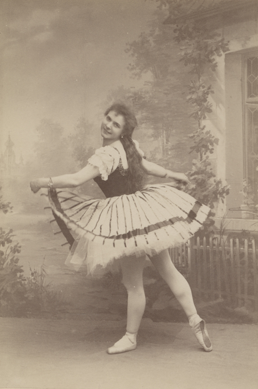 Pierina Legnani as Teresa (1896)