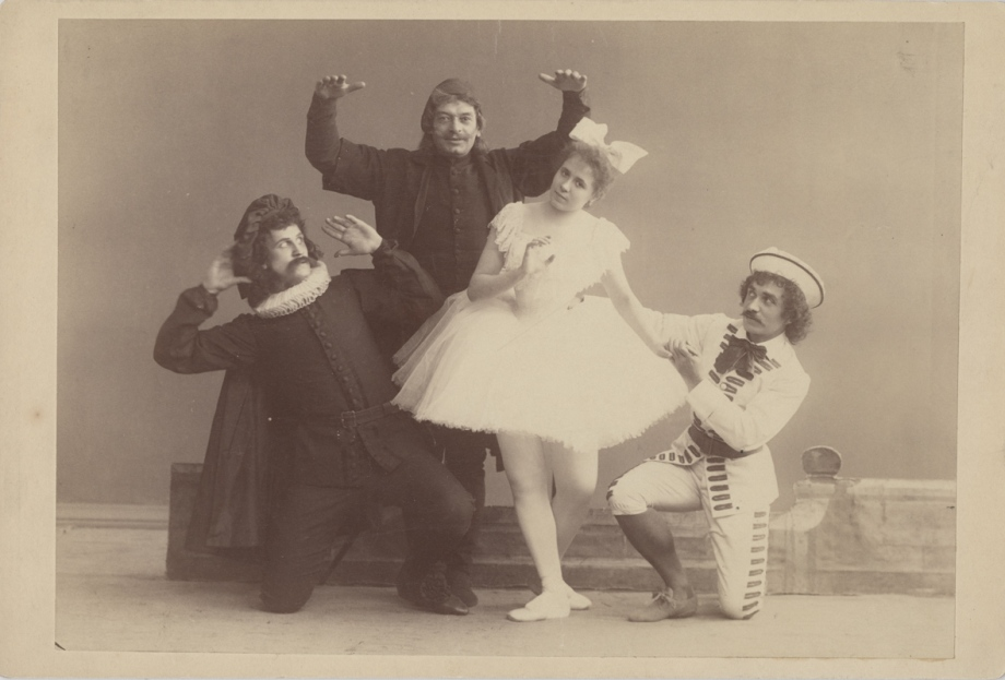 Vera Ivanova as Cecchina, Alexander Shiryaev as Brighella, Stanislav Gillert as Pantalone and Alexei Bulgakov as Scaramouche (1895)