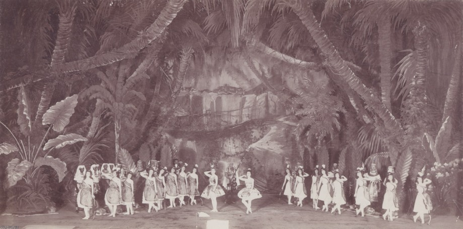 The Grand Pas des chasseress of Act 1 in the 1898 revival: in the centre is Matilda Kschessinskaya as Princess Aspicia (1898)
