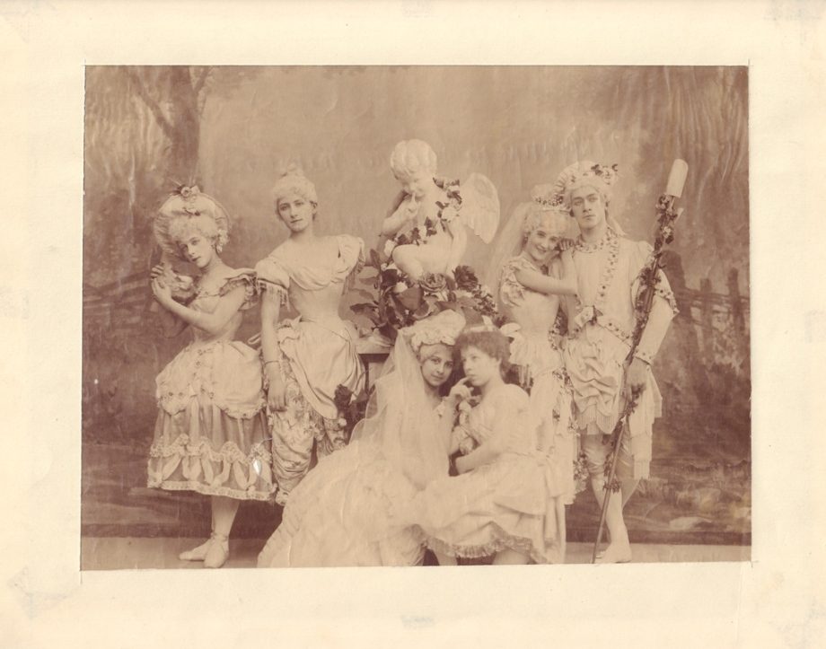 Olga Preobrazhenskaya as Chloë, Olga Leonova as Venus, Varvara Rykhliakova as Lisa, Zinaida Georgievskaya as Hymen, Nikolai Legat as Hylas and Sophia Repina as Cupid in Ivanov's revival (1893)