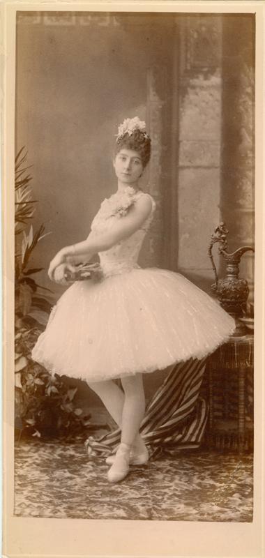 Luigia Algisi (1888)
