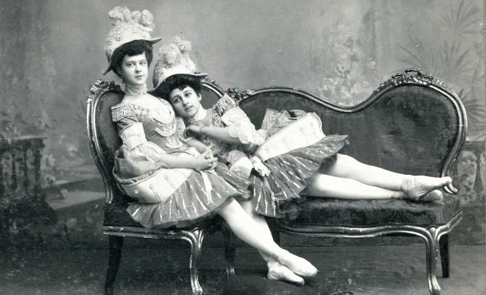 Evgenia Lopuhkova and Alexandra Feodorova as attendants of Harlequin and Columbine's wedding (ca. 1900)