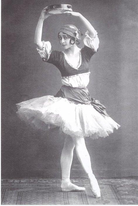 Olga Spessivtseva as Esmeralda (1918)