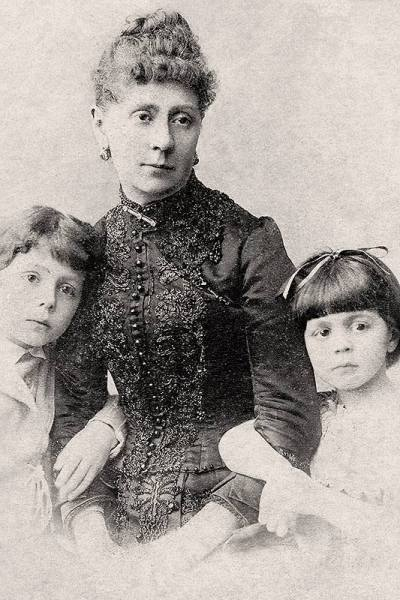 Petipa's second wife Lyubov Savitskaya and their youngest children - Marius and Vera (1889)