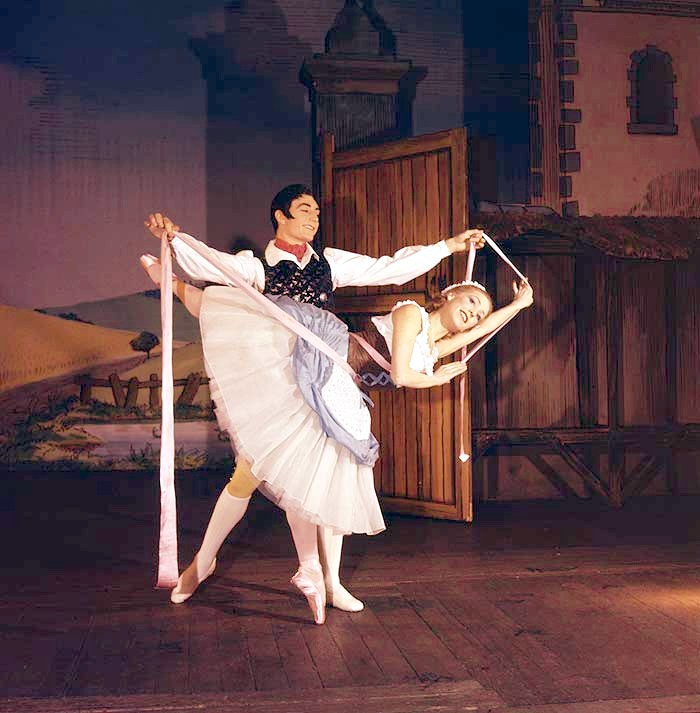 Nadia Nerina as Lise and David Blair as Colas in Ashton's La Fille mal gardée (1960)